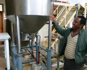Ethiopian honey processor shows new equipment
