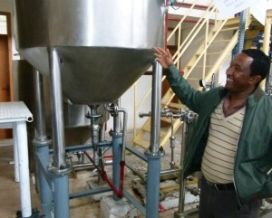 Ethiopian honey processor shows new equipment